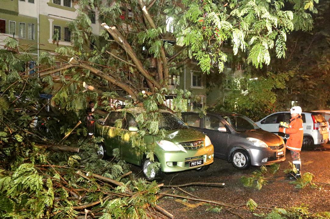 Storm At Penang Island: Two-hour Storm Causes Havoc In Penang