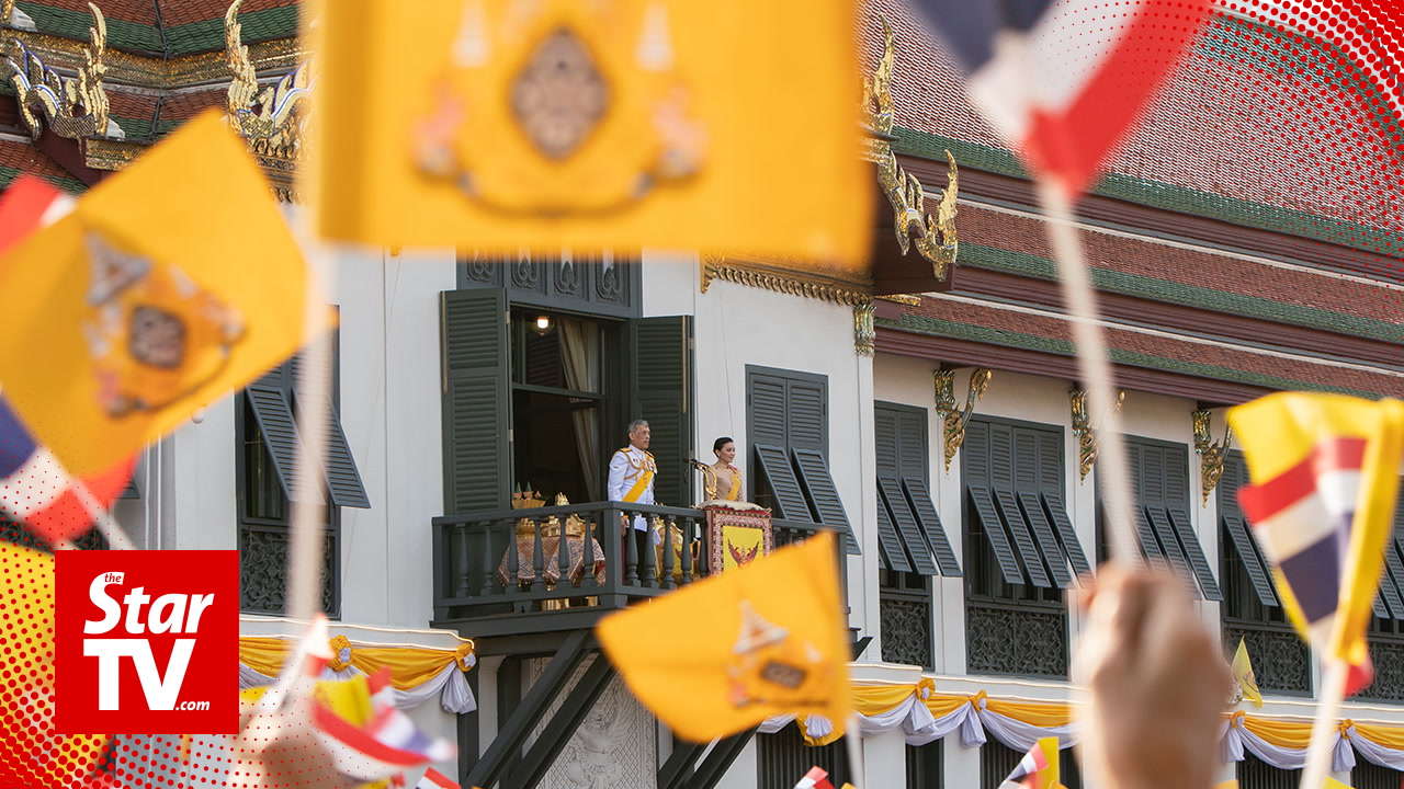 New Thai king greets crowd on final day of coronation